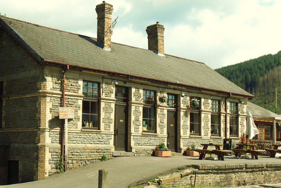 The Refreshment Room Cymmer